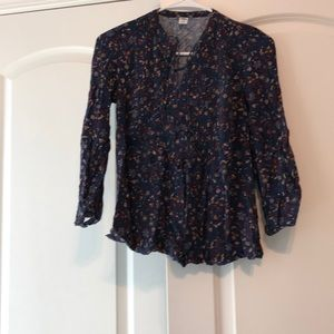 Old navy xs navy colored paisley top